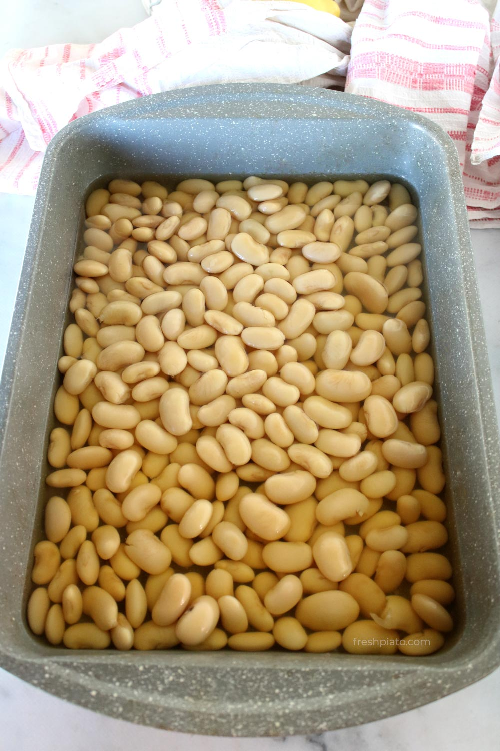 Lima beans boiled in a tray